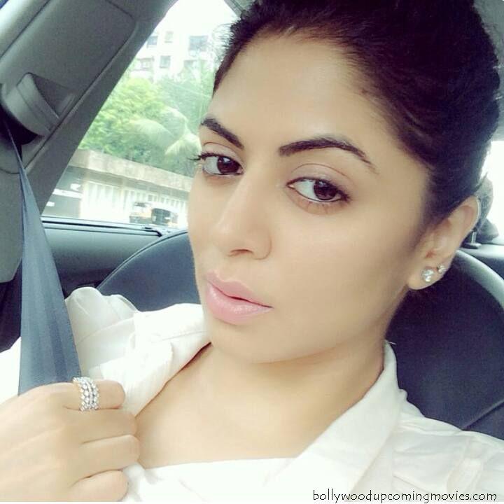 Kavita Kaushik without makeup