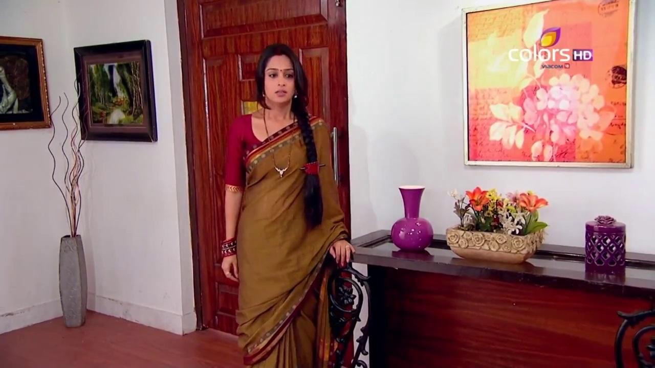 deepika samson saree pictures