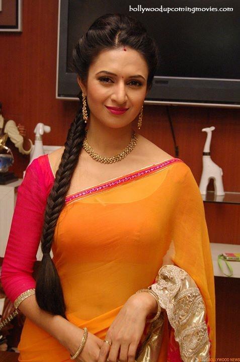 divyanka tripathi hot saree