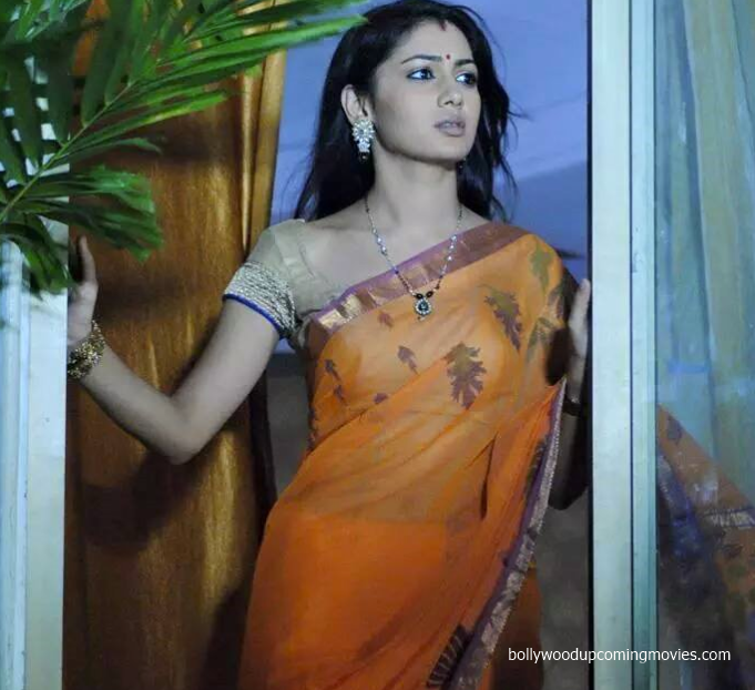 Sriti Jha hot saree