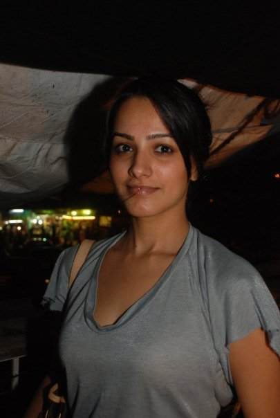 anita hassanandani without makeup