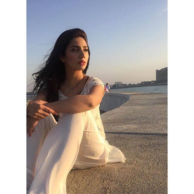mahira khan hot photo